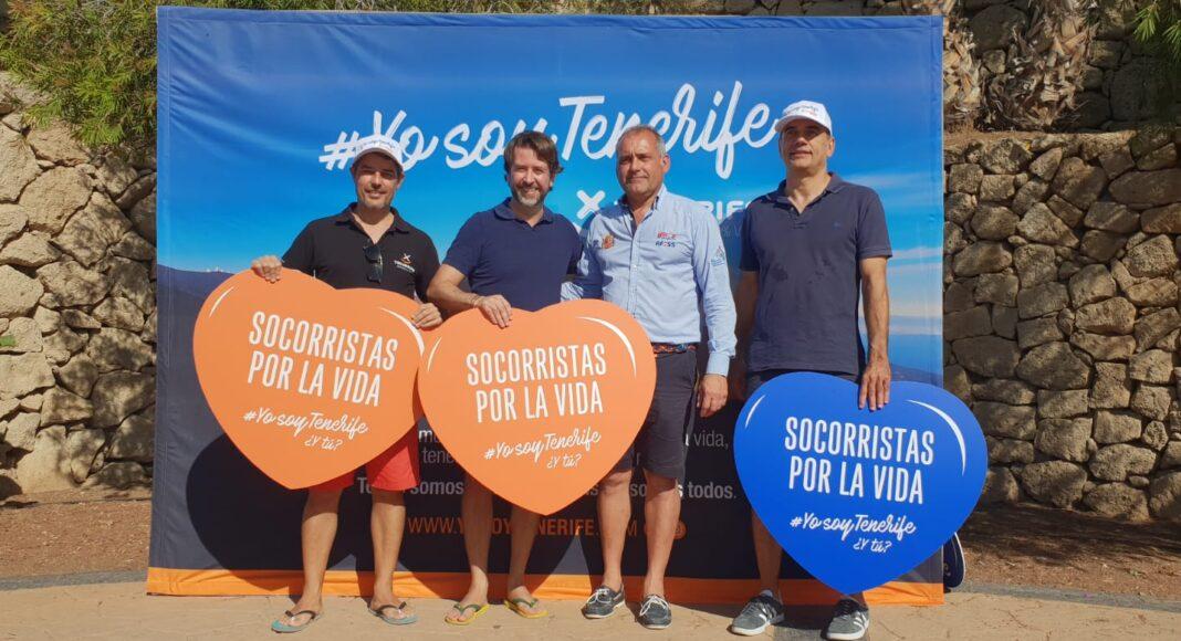 José Miguel Rodríguez junto a otros firmantes