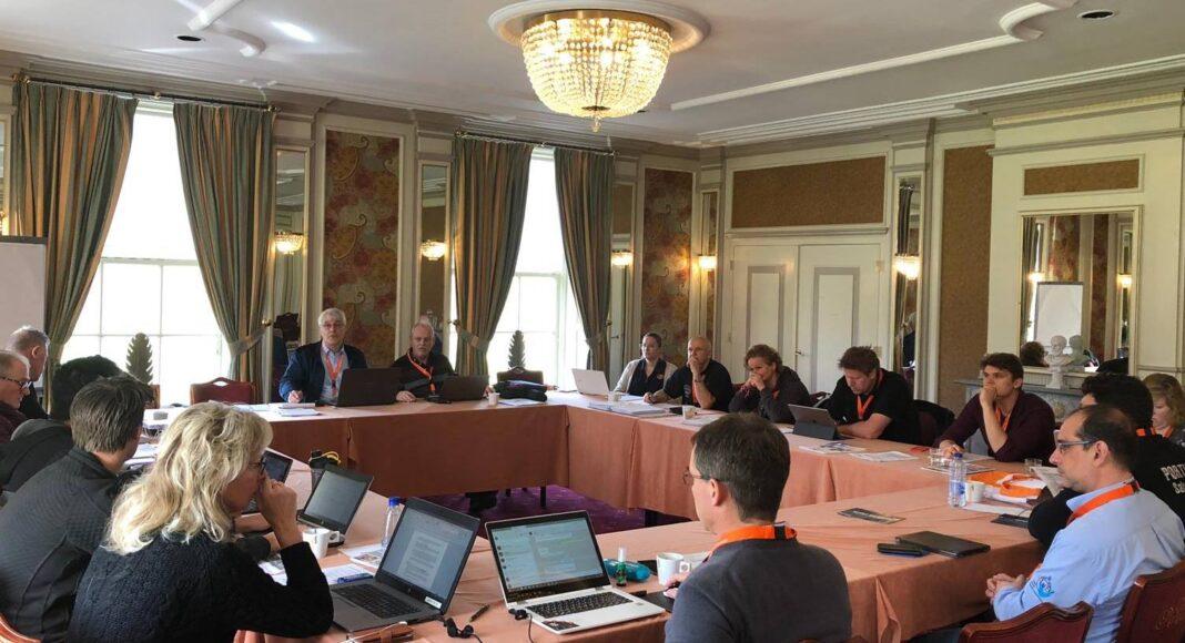 Un momento de la Comisión Deportiva de la Federación Europea de Salvamento, reunida en Heemskerk.