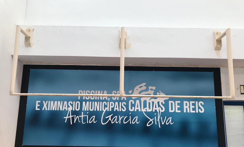 Antía García Silva es la primera deportista que practica la modalidad deportiva de salvamento y socorrismo en España a la que una institución pública, el Ayuntamiento del Caldas de Reis, ha dedicado la denominación de una instalación como reconocimiento a su trayectoria deportiva. 17 de diciembre de 2018
