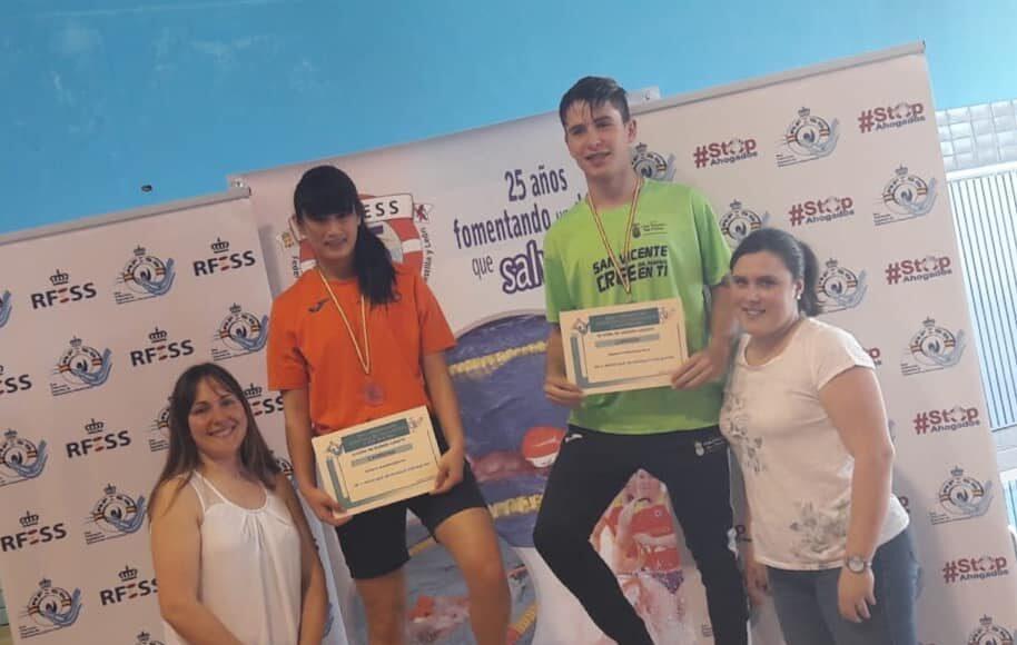 100 metros remolque de maniquí con aletas cadete: Patricia Bolado Abascal (C. Noja Playa Dorada) y Roberto Ferrandiz Polo (C.N. San Vicente).