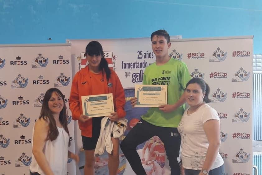 200 metros natación con obstáculos cadete: Patricia Bolado Abascal (C. Noja Playa Dorada) y Roberto Ferrandiz Polo (C.N. San Vicente).