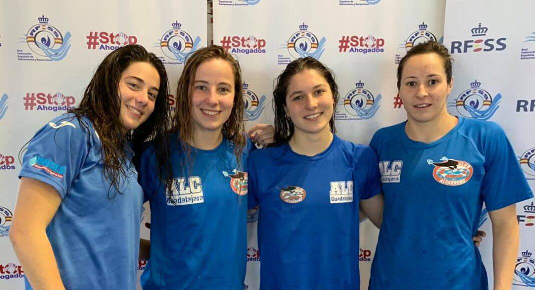 Lucía Juana Alonso, Miriam Martínez Manzano, Elsa López Ruiz y Samantha Redondo Martín (Club Alcarreño de Salvamento y Socorrismo) han batido el récord de España de 4x50 metros natación con obstáculos en la categoría absoluta femenina con un tiempo de 01.57.86, frente al anterior de 01.59.49.